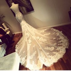 Image via We Heart It #blush #bridal #brodery #Couture #crystal #dress #fitted #flowers #lace #luxury #mermaid #romantic #royal #satin #train #tulle #wedding