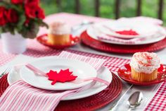 Canada Day decorating idea from Dinner4Two. http://www.theWrightlight.com