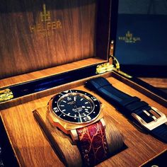 The new Helfer Watches boxes have arrived... Genuine black wood with gold trimmings. Only the best to protect these timepieces. Helfer Watches now available in #Australia and #NewZealand. Register your interest now at helferwatches.com.au - Link in bio. #helferwatchesaus