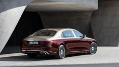 2022 Mercedes-Maybach S 680 keeps its V12 and adds opulence | Autoblog Mercedes Maybach, Mercedes S Class, New Mercedes, In China, Rolls Royce, Two Tone Paint, Benz S, Pinstriping, Cars