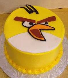 Angry Birds, make a slingshot out of sugar cookie dough Decorating Tips, Cake Decorating, Cupcake Cakes, Cupcakes, Angry Birds Cake, Sugar Cookie Dough, Fancy Desserts, Cakes And More, Birthdays