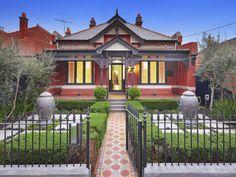 ideas for house exterior colors australia beautiful homes House Paint Exterior, Exterior Paint Colors, Exterior House Colors, Exterior Design, Paint Colours, Cottage Exterior, Edwardian House, Victorian Cottage, Victorian Houses