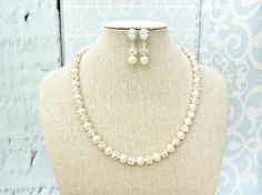 Pearl Necklace and Earring Swarovski Pearl by AliChristineBridal  #pearlnecklace #bridalnecklace #bridaljewelryset #pearljewelryset #weddingjewelry #bridalJewelry #bridalnecklace #necklaceandearringset #jewelryset #alichristinebridal