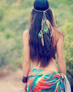 Very native vibe <3 Halloween costume..  Or? It's so beautiful!