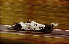 Desiré Randall Wilson (ZAF) (Brands Hatch Racing), Williams FW07 * - Ford-Cosworth DFV 3.0 V8 (DNQ)  * - No funciona Williams FW07 preparado por el equipo de carrera de Brands Hatch Racing, potencialmente, también conocido como Racing RAM.  1980 Gran Premio de Inglaterra, Brands Hatch © John Millar | Fuente: Fickr   http://f1-history.deviantart.com/art/Desire-Wilson-Great-Britain-1980-385384301