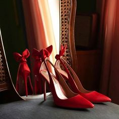 Start every ensemble on the right foot with Meghan Markle's favorite Deneuve pumps that have been updated in a sensual lipstick-red satin. Orange Shoes, Purple Shoes, Silver Shoes, Blue Shoes, Women's Shoes, Satin Shoes, Satin Pumps, Bridal Flats, Wedding Shoes