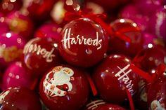 Love Harrods Christmas windows :) #ImDreamingOf   @Radley_London