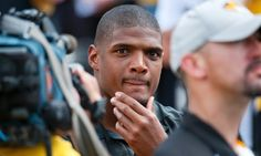 HOT ISSUES: St Louis Rams cut Michael Sam, the first openly ga...