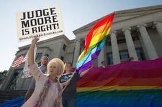 Alabama se rebela contra el matrimonio homosexual. Once condados cierran sus departamentos de licencias matrimoniales y el máximo juez estatal es suspendido por desafiar la legalización en Estados Unidos. Joan Faus | El País, 2016-10-01 http://internacional.elpais.com/internacional/2016/10/01/estados_unidos/1475290007_783813.html