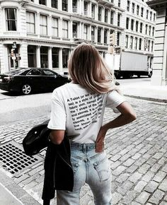 With college just around the corner, here's our weekly summer outfits guide curated just for you. Choose from a selection of casual summer fashion to wear every day. Foto Fashion, Fashion Mode, 90s Fashion, Womens Fashion, Fashion Trends, Girl Fashion, Style Fashion, Fashion Bloggers, Dress Fashion