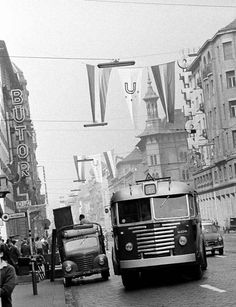 Historical Pictures, Buses, Hungary, Budapest, Retro Vintage, Arch, Antiques, Photos, Antiquities