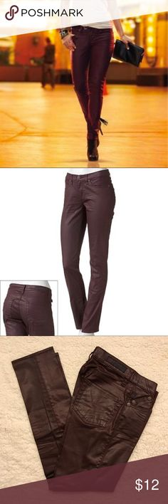 """Rock & Republic Berlin Coated Skinny Jeans Size 0 Gently worn Rock & Republic Berlin Coated Skinny Jeans Size 0 and tailored to an inseam of 26.5"""" (for ankle length) 98% cotton, 2% spandex No rips or stains.  Comes from smoke free home Rock & Republic Jeans Skinny"""