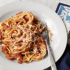 Spaghetti with Red Onion and Bacon