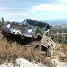 Mais que um jipe mais que uma marca uma paixão!  Land Rover!  #landrover #landroverdefender #300tdi #300 #tdi #defender by _emanuel_antunes_ Mais que um jipe mais que uma marca uma paixão!  Land Rover!  #landrover #landroverdefender #300tdi #300 #tdi #defender