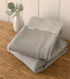 Purebaby – perfect bassinet blankets & linens for baby's very first bed