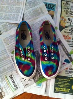 How to Make Tie Dye Sneakers. Super cute, wanna do this for summer fo sho.