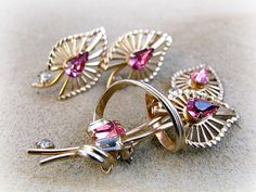 Scitarelli Set broche e brinco Demi Parure Vintage Rosa Pedrinhas Ouro
