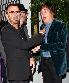 Ringo Starr & Paul Mccartney photographed leaving Cecconi's, after having dinner together in Hollywood on April Paul Mccartney, Great Bands, Cool Bands, Sir Paul, John Paul, Photo Souvenir, John Lennon Beatles, Beatles Photos, The Fab Four