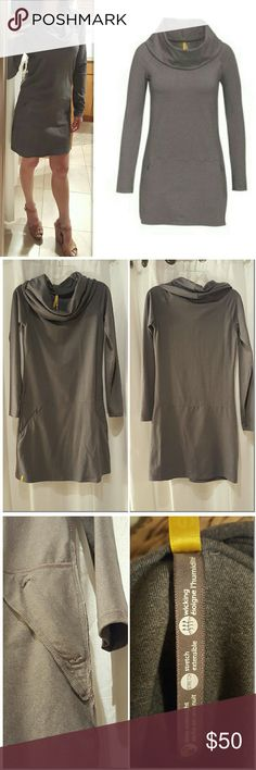 "Lole Tunic Dress Charcoal Gray Long Sleeve XS Lole Activewear Dress Tunic Travel Long Sleeve Charcoal Heathered Gray XS S $85   Like-new. Worn only 1 time. WAS a size small & it was taken in down the sides to make it fit more like an XS. Extra fabric was cut out. See measurements & photos.   Measurements (approx.)  Bust 17""  Waist 16""  Hips 18.5""   Fabric: 48% Nylon - 44% Polyester - 8% Elastane  Stretchy. Nice feel to the fabric. Wicking. ""Dries overnight.""   Small/shallow side zip pockets…"