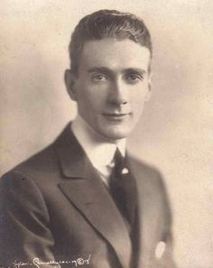 Clifton Webb, so young. By Orval Hixon, 1916 Old Hollywood Stars, Old Hollywood Movies, Golden Age Of Hollywood, Vintage Hollywood, Classic Hollywood, Vintage Movie Stars, Vintage Movies, John Kerr, Clifton Webb