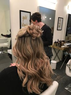 flower braided half up style with waves | hair by goldplaited | half up half down hairstyle | flower braid | hairstyles for prom #promhair