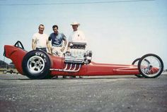 Tommy Greer - Don Prudhomme - Keith Black As far as anyone knows, this is the very first shot taken of the new car/team that took drag racing by storm starting in Don Prudhomme, Nhra Drag Racing, Auto Racing, Top Fuel Dragster, Drag Bike, Mode Of Transport, Drag Cars, Vintage Racing, Car Humor