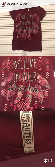 "Girls ""Believe In Your Dreams"" Shirt Sleeve Shirt Girls ""Believe in Your Dreams"" Shirt Sleeve Shirt Only Worn Once Comes From A Smoke and Pet Free Home Beautees Shirts & Tops Tees - Short Sleeve"