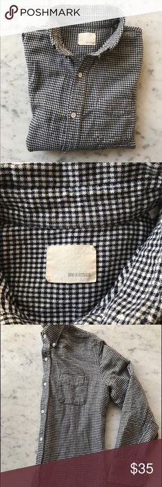 Band of Outsiders - Sz Medium - Flannel Checkered Men's size medium, navy checkered flannel long sleeve. Great condition but missing cuff buttons on both sleeves. As such, price marked accordingly. Band Of Outsiders Shirts Casual Button Down Shirts