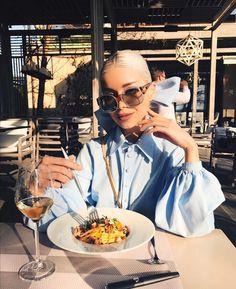 Alina Ceusan: I wish you a nice journey, dear reader and I hope to hear the best from you! Grow Long Hair, Grow Hair, Paris Restaurants, Event Organization, Hair Health, Winter Looks, Healthy Hair, Beauty Skin, The Dreamers