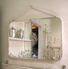 Miroir rectangulaire finition nickel Chehoma avec chaînette-89€