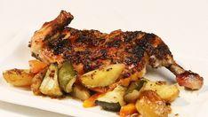 Kořeněné kuře s nádivkou, pečený pastiňák a brambory Chicken Wings, Meat, Tv, Food, Fine Dining, Eten, Meals, Television Set, Television