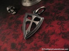 Steel Flame – Lg Crusader Cross Shield