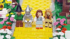 For the Anniversary of the Wizard of Oz. Lego creates their tribute! Gi Joe, Lego Tv, Broadway, Lego People, Land Of Oz, The Worst Witch, Lego Figures, Tin Man, Yellow Brick Road