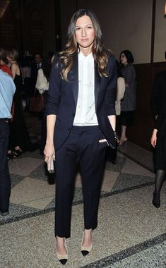 As fashion is ever evolving, androgynous dressing becomes a more widespread craze. From boyfriend jeans to oversized button-downs, stylish girls from around the world are ditching their floral dresses and ballerina skirts for the gender-neutral look. While tailored suits and brogues have always been known to be part of the menswear department, the ladies prove …