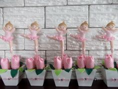 Centro de Mesa Bailarina  para decoração de festa, com três tulipas de tecido e Tag em feltro com enchimento de bailarina. Pedido minimo 10 peças.. Pedir com antecedência da festa . R$ 12,00