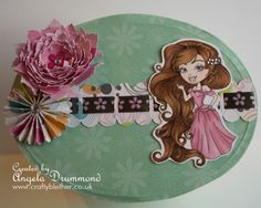 Oval Box decorated with Little Honey's - Princess Ariel