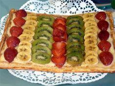 Tarta de hojaldre crema pastelera y fruta