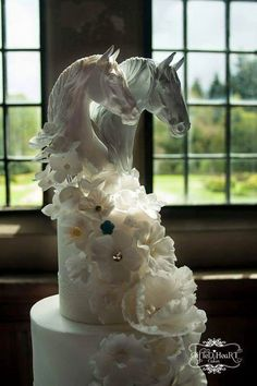 Beautiful Horse Wedding Cake