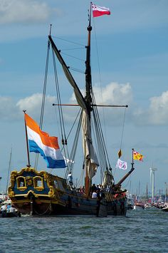 Utrecht State-Yacht - SAIL EVERY 5 YEARS in AMSTERDAM.. In 2015 from 19th till 23th of August.... Lots of Tall Ships from over the world. Very special event  !