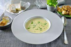 De kaas uit Brugge lekker bij de pasta of bij je wildgerecht zoals Konijn. Vandaag gebruiken we de kaas in een heerlijke knolselderijsoep.