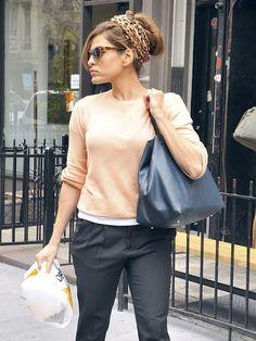 Eva Mendes - Eva Mendes Picks Up Snacks in NYC