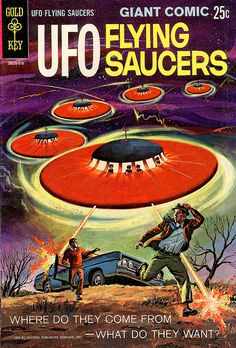 'Vintage UFO Flying Saucer Alien Science Fiction' Greeting Card by pdgraphics Space Ghost, Sci Fi Comics, Horror Comics, Arte Sci Fi, Sci Fi Art, Science Fiction Art, Pulp Fiction, Fantasy, Aliens And Ufos
