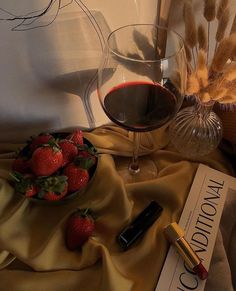 Discovered by L⒰⒳⒪⒭⒴&BEU⒯⒴. Find images and videos about yummy, drink and strawberry on We Heart It - the app to get lost in what you love. Night Aesthetic, Aesthetic Food, Beige Aesthetic, Heart Sign, We Heart It, Pouring Wine, Wine Night, Date Dinner, Wine O Clock
