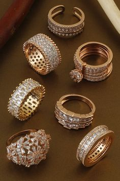 Gold Ring Designs, Gold Bangles Design, Gold Earrings Designs, Gold Jewellery Design, Indian Bridal Jewelry Sets, Wedding Jewelry Sets, Donia, Fancy Jewellery, Hand Jewelry