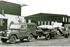 RAF Land Rover towing a Bloodhound missile at RAF North Coates in 1959 Land Rover Serie 1, Land Rover Defender 110, Land Rover Off Road, Suv 4x4, New Jaguar, Old Lorries, British Armed Forces, Cars Land, Jaguar Land Rover