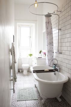 Bathroom Makeover — serene and every bit of pure perfection ! I ❤️ white bathrooms