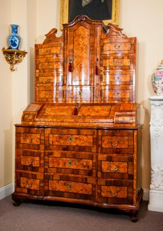 Amazing secretary-commode 18th century in walnut marquetry . Origin Austrian . For sale on #Proantic by Gerle #Home