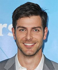 View yourself with this David Giuntoli Short Straight Brunette Hairstyle David Giuntoli, Straight Brunette Hair, Short Straight Hair, O Grimm, Grimm Cast, Le Rosey, Side Part Hairstyles, Men Hairstyles, Cute Celebrities