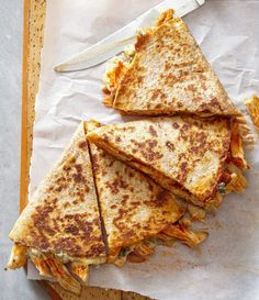 Grilled Sandwich Recipe, Quesadilla Recipes, Buffalo Chicken Recipes, Cheesy Chicken, Cheesy Recipes, Mexican Food Recipes, Mexican Meals, Mexican Chicken, Mexican Dishes