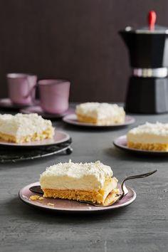 Kokostraum: cremiger Blechkuchen mit Raffaello-Geschmack